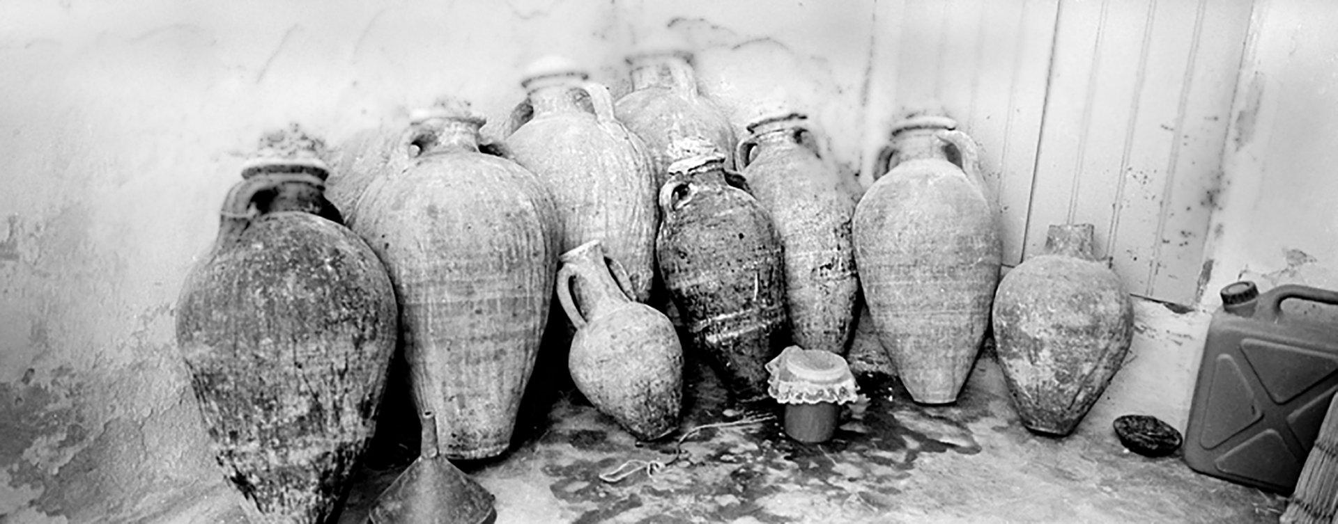 «Amphores à vin» Har Akebira, Djerba, 2002
