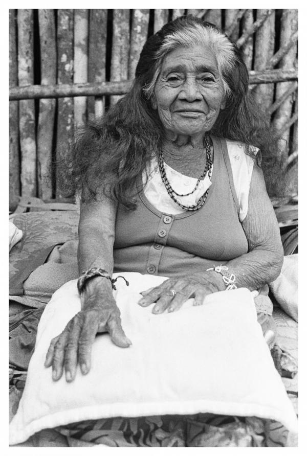 Femme medecine guarani, Brésil 2015
